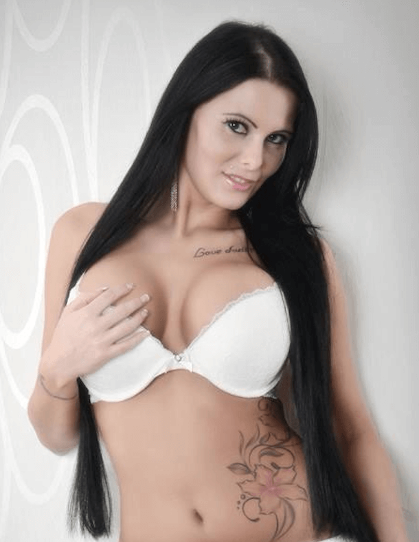 Pornodarstellerin Xania Wet